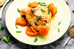 Plate with Chicken stewed with apricots